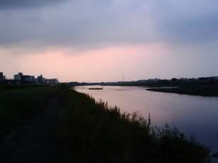 多摩川の夕日その1の図