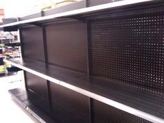 空っぽの商品棚の図(その1)