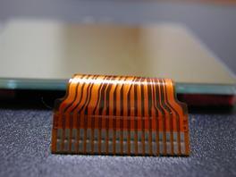 LCD ケーブルの図