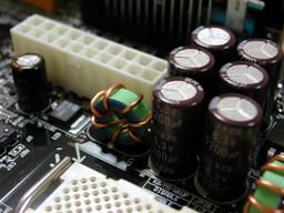 AX3S PRO-U の電解コンデンサ